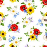 Seamless pattern with colorful flowers. Vector illustration. Royalty Free Stock Photos