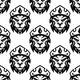 Seamless pattern of a crowned royal lion Stock Photo