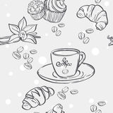 Seamless pattern with cup of coffee, croissants and muffins Royalty Free Stock Photos