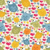 Seamless pattern with cute birds and hearts. Royalty Free Stock Photos