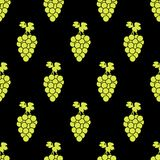 Seamless pattern with green grapes on the black background. Vector illustration Stock Photography