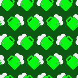 Seamless pattern - green, white beer with froth. Seamless wrapping paper - light green and white beer with froth in front of a dark green background Royalty Free Stock Photography