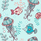 Seamless pattern with jellyfish and fish Royalty Free Stock Photography