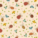 Seamless pattern with leaves, hearts and ladybirds Royalty Free Stock Photos
