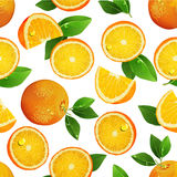 Seamless pattern with oranges, slices and green leaves. Realistic illustration. Royalty Free Stock Photos