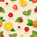 Seamless pattern with oranges, slices and green leaves. Realistic illustration. Royalty Free Stock Images