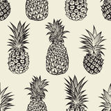 Seamless pattern with pineapples Royalty Free Stock Images