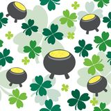 Seamless pattern with pot full of gold Stock Photos