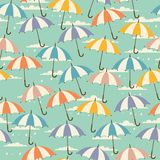 Seamless pattern in retro style with umbrellas Royalty Free Stock Images