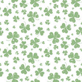 Seamless pattern with Saint Patricks shamrock leaves Royalty Free Stock Photos