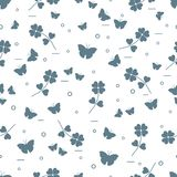 Seamless pattern with shamrock and butterflies. Saint Patrick\'s Day. Irish clover St. Patrick\'s Royalty Free Stock Images