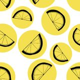 Seamless pattern of slices of lemons. Black linear drawing on yellow circles royalty free illustration