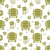 Seamless pattern. St. Patrick\'s Day. Pab. Ireland. Seamless pattern with clover leaves, beer barrel, beer mug. St. Patrick\'s Day. Holiday background. Irish vector illustration