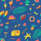 Seamless pattern with summer beach objects. Seasonal background. Royalty Free Stock Images