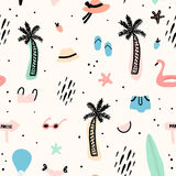 Seamless pattern with summer elements. Creative  texture with palm tree,bikini,hat,sunglasses. ю Royalty Free Stock Photography