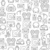 Seamless pattern with symbols of music and audio icons. Music and audio icons in a linear style, seamless pattern with symbols of retro tape, cassette, boombox Vector Illustration