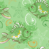 Seamless pattern with tropical fishes and shells Royalty Free Stock Photos