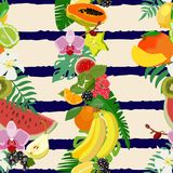 Seamless pattern with tropical fruits and citrus fruits, leaves. Vector illustration. Royalty Free Stock Photography
