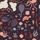 Seamless pattern with underwater ocean animals, whale, octopus, stingray, jellysfish Royalty Free Stock Photos