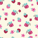 Seamless Pattern With Flowers, Bees And Strawberries Royalty Free Stock Images