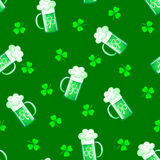 Seamless shamrock pattern with beer. Stock Photography