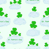 Seamless shamrocks in the clouds Stock Photography