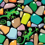 Seamless texture of colorful pebble stonewall. With lizards Royalty Free Stock Photo