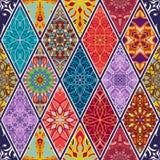 seamless texturvektor Härlig mega patchworkmosaikmodell för design och mode med dekorativa beståndsdelar i romb stock illustrationer