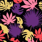 Seamless tropical leaves pattern Royalty Free Stock Images