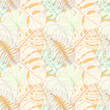Seamless tropical palm leaves pattern Royalty Free Stock Photos