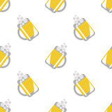 Seamless vector pattern with beer glasses on the white background Royalty Free Stock Photo
