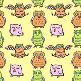 Seamless vector pattern with cartoon birds Royalty Free Stock Photography