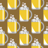 Seamless vector pattern with closeup beer glasses on the brown background. Royalty Free Stock Images