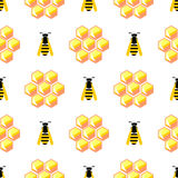 Seamless vector pattern with insects, symmetrical background with yellow honeycombs and wasps on the white backdrop Stock Photography