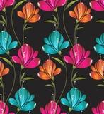 Seamless wallpaper av idérika blommor Arkivbilder