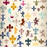 Seamless wallpaper pattern with heraldic elements Royalty Free Stock Photography