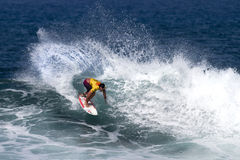 Sean Moody surfing in the Triple Crown Hawaii Royalty Free Stock Photography