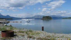 Seaplane που χρησιμοποιείται για τις πτήσεις επίσκεψης στο yukon απόθεμα βίντεο