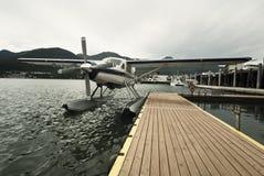 Seaplane στην αποβάθρα σε Juneau Στοκ Φωτογραφίες