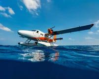 Seaplane στο νερό Στοκ εικόνες με δικαίωμα ελεύθερης χρήσης
