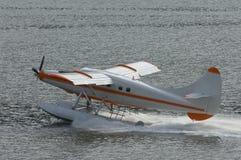Seaplane de Skagway em Alaska dentro da passagem Imagens de Stock