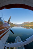 Seaplane estacionado em um lago Imagens de Stock
