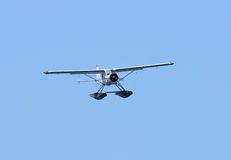 A seaplane in flight Royalty Free Stock Photos