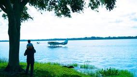 Seaplanes προσοχής πατέρων & γιων στοκ εικόνες με δικαίωμα ελεύθερης χρήσης