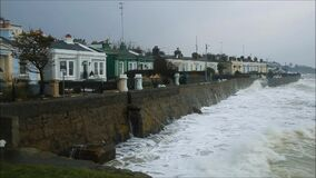 Seapoint Tempesta Emma Contea Dublino l'irlanda stock footage