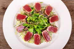 Seared tuna salad top view Royalty Free Stock Images