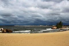 Seascape Αμμώδης παραλία Στοκ εικόνα με δικαίωμα ελεύθερης χρήσης