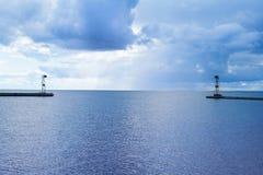 Seascape, από τη θάλασσα, ο λιμένας στη θάλασσα της Βαλτικής Στοκ φωτογραφία με δικαίωμα ελεύθερης χρήσης