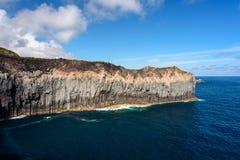 Seascape με τον απότομο βράχο στο terceria στοκ φωτογραφίες με δικαίωμα ελεύθερης χρήσης