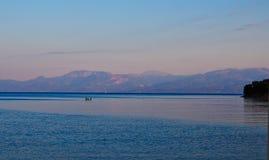 Seascape σούρουπου, διαφορικές ομιλίες αέρα στο νερό, Ελλάδα Στοκ εικόνες με δικαίωμα ελεύθερης χρήσης